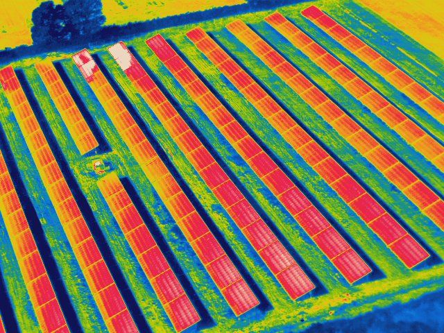 Thermal image of a ground-mounted solar farm (source http://adtsgroup.com/).